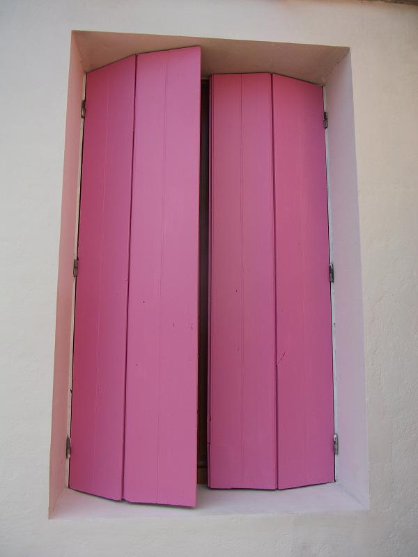 Pink shutters - Lady Justine's blog