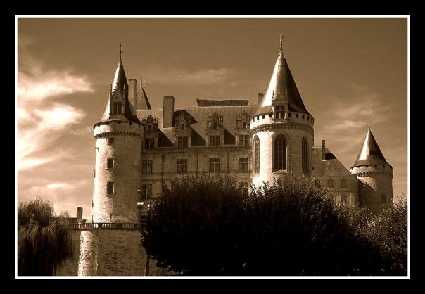 la rochefoucauld chateau